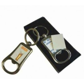 Metalen sleutelhanger met flesopener
